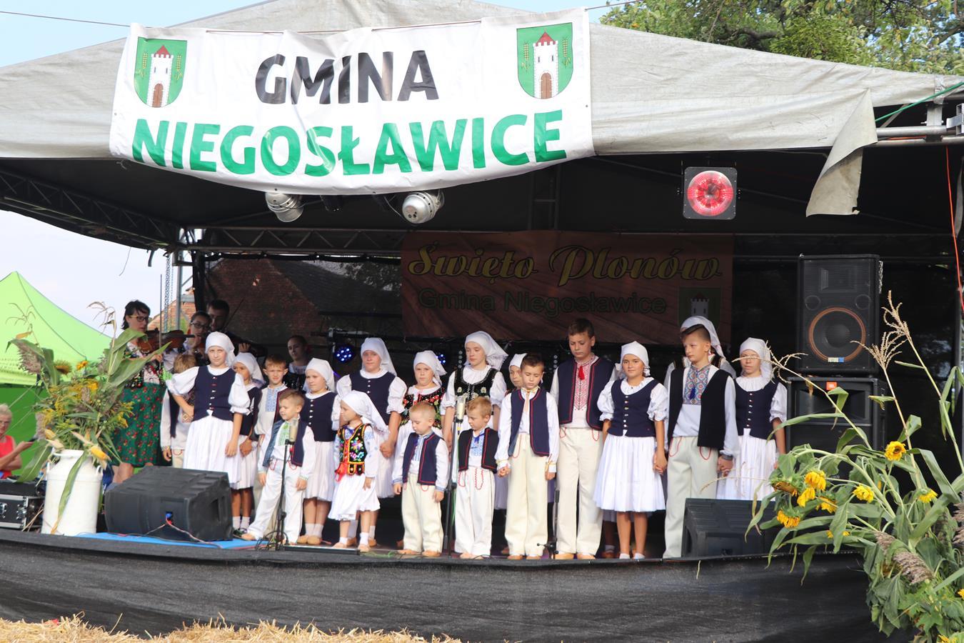 Łastiwczata na Święcie Plonów w Gościeszowicach 01.09.2019